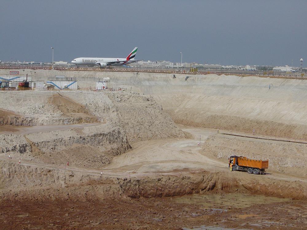 Dubai_Airport_01.jpg
