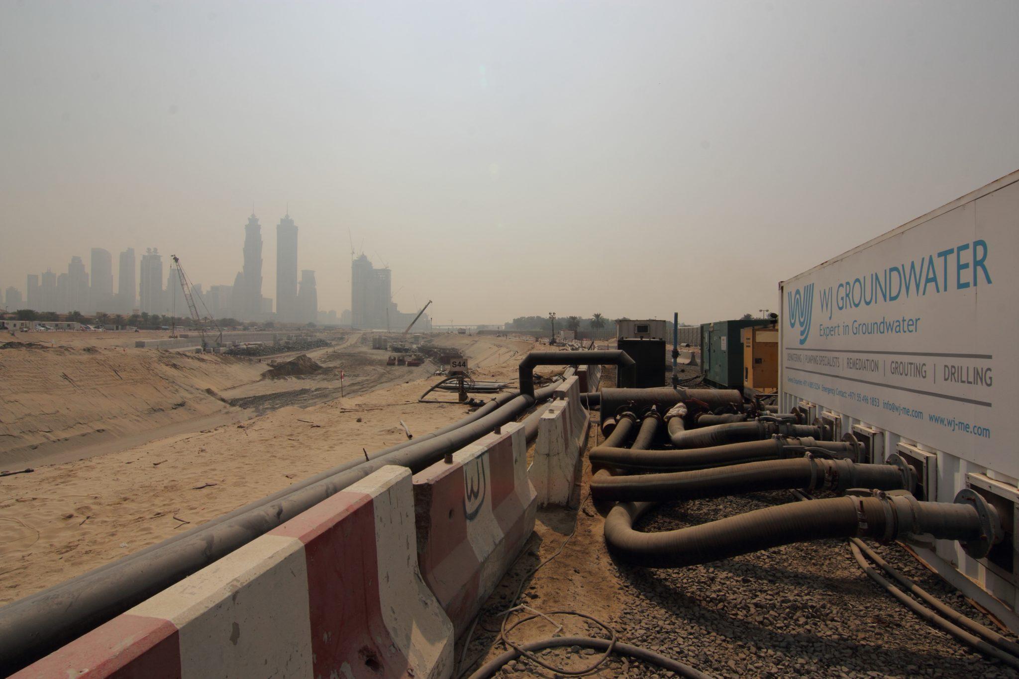 Dubai-Canal-Sept-150002.jpg